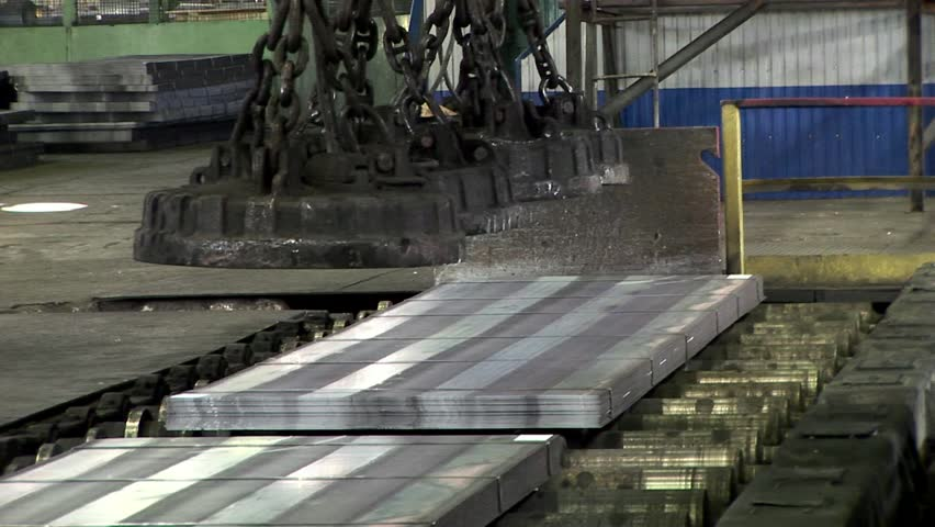 Hauling of steel sheets packages using Industrial lifting electromagnets.