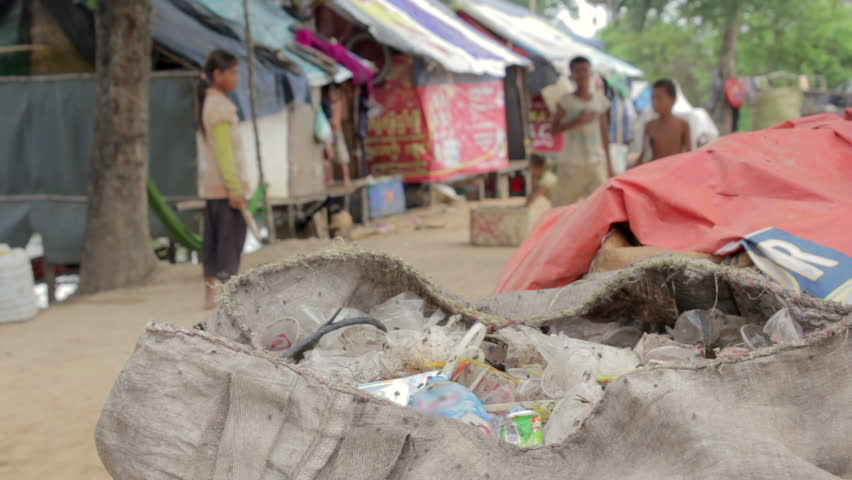 environmental problems due to slums Here are the alarming 6 negative impacts of slums, including the social problems  here are the alarming 6 negative impacts of slums,  the borgen project is.