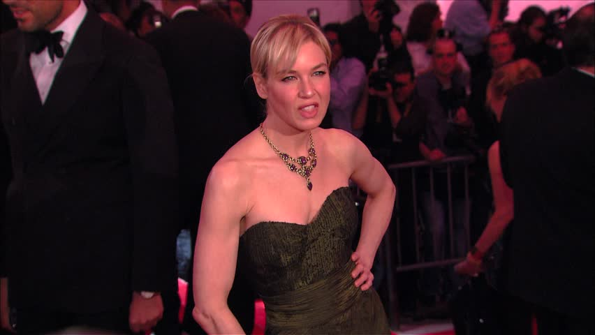 New York, NY - MAY 04, 2009: Renee Zellweger, walks the red carpet at the The Model as Muse: Embodying Fashion Costume Institute Gala held at the The Metropolitan Museum of Art