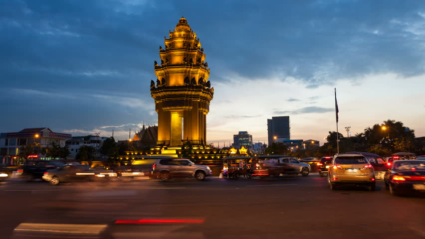 PHNOM PENH, CAMBODIA- DECEMBER 13, 2012: Sunset Timelapse of the Independence