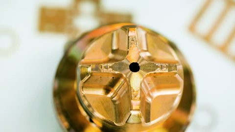 Measurment of precision metal parts using a micrometer