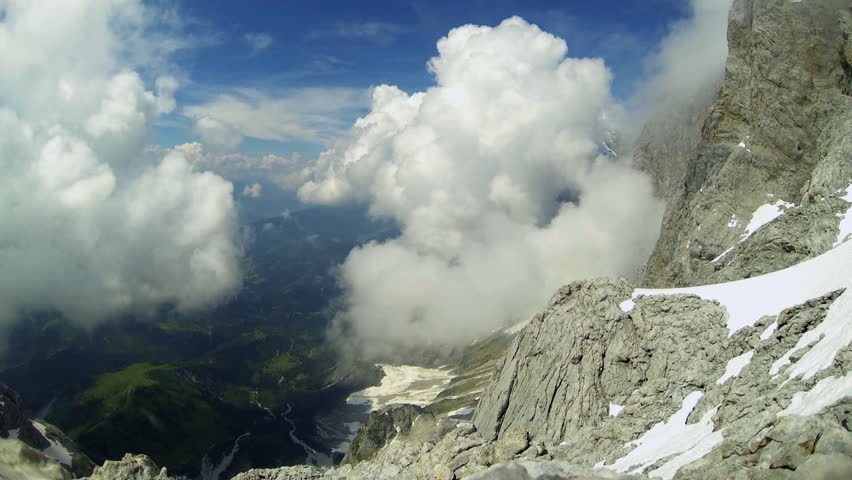 T/L ARIAL WS Landscape with mountains and valley in clouds. Dachstein, Salzburger Alpen / Austria