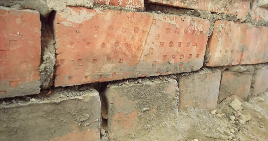 Header of brickwork
