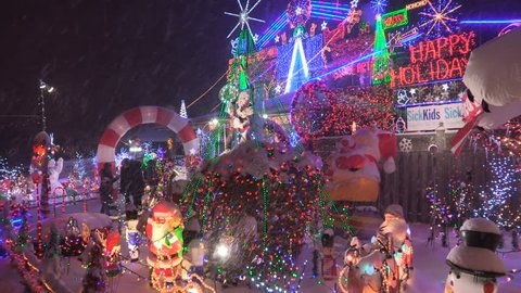 Griswold Christmas Lights.Toronto Ontario Canada December 2017 Christmas Lights Covering House In The Snow
