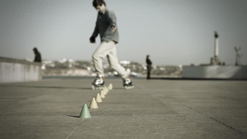Rides roller skates #3696920