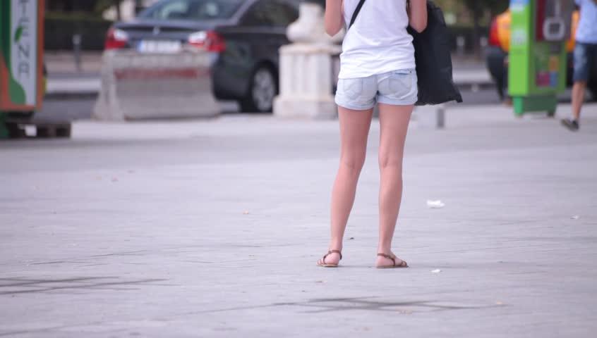 Hot Sexy Legs of Young Vidéos de stock (100 % libres de droit) 4345610 |  Shutterstock