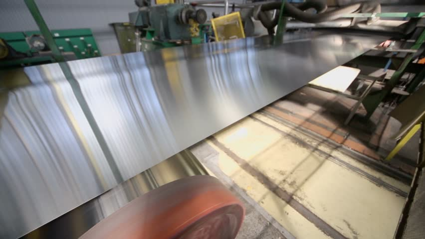 Sheet of aluminum plate in machine of rolling mill