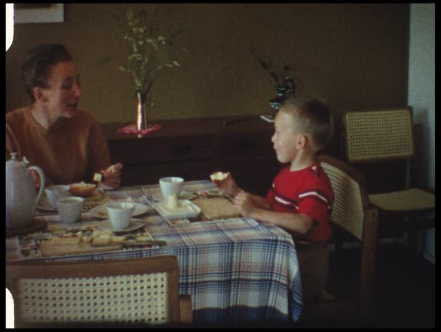 Breakfast (vintage 8 mm amateur film)