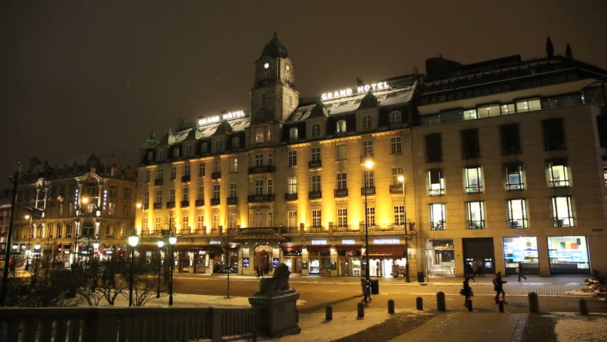 Fashionable Hotel in the City of Oslo. Best known for the annual venue of the Nobel Peace Prize winner