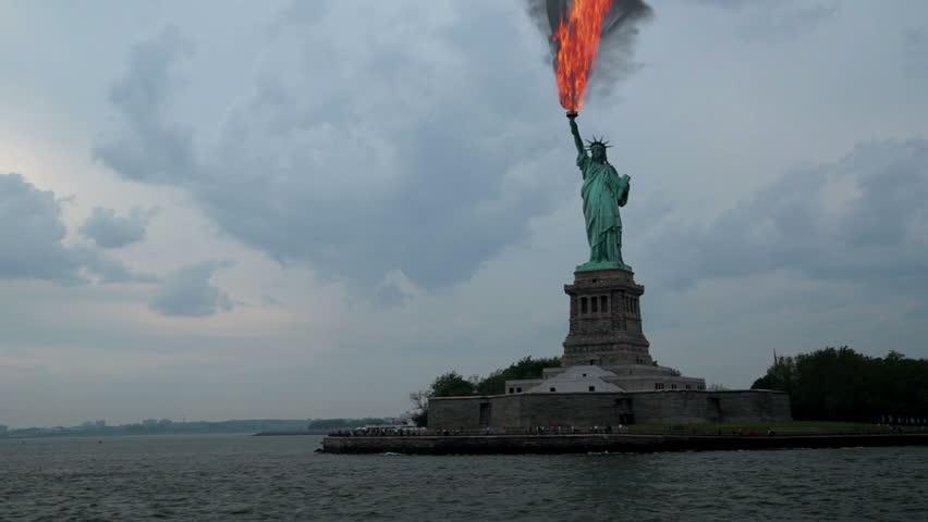 Oil found under Statue of Liberty | Shutterstock HD Video #6595640