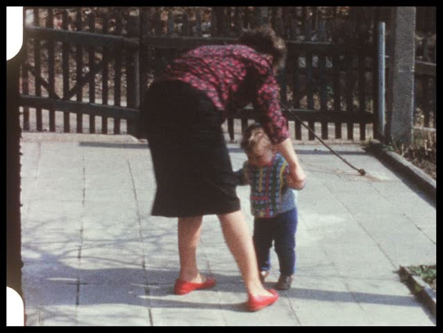 Baby learns to walk (vintage 8 mm film)