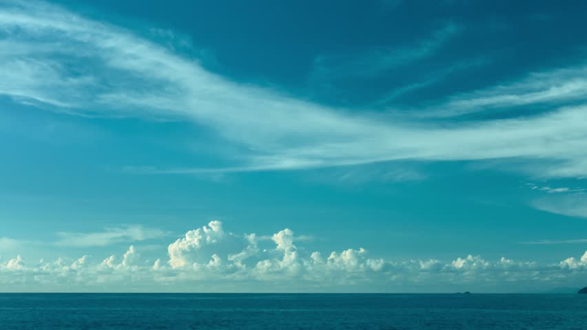Video 3840x2160 UHD - The sky over the ocean. Daytime timelapse #7836346