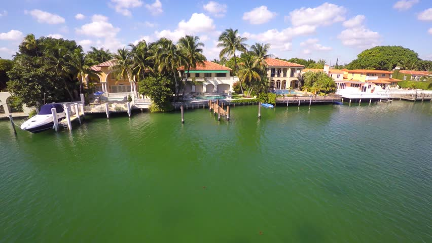 MIAMI BEACH - NOVEMBER 15: Luxury waterfront homes on Pinetree Drive overlooking the Intracoastal Waterway November 15, 2014 in Miami Beach USA