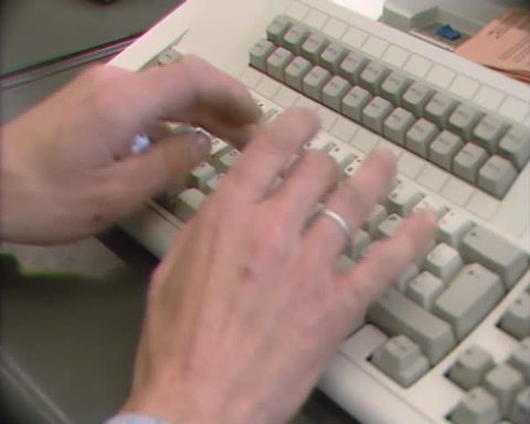 data input 1980s qwerty computer keyboard