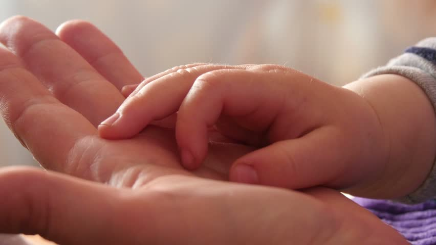 4k, Hands mother and son, close up 3 #9639350