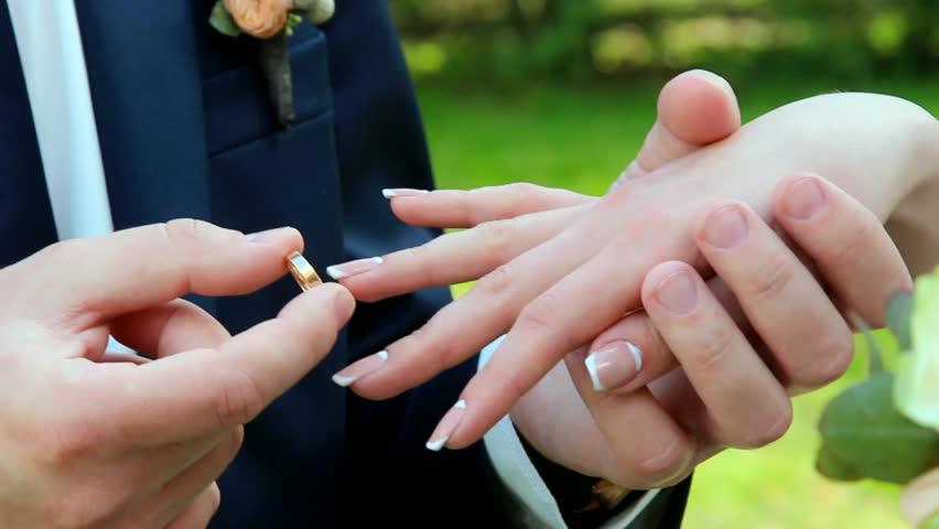 Wedding Rings Groom And Bride With Ring Hands Of Just